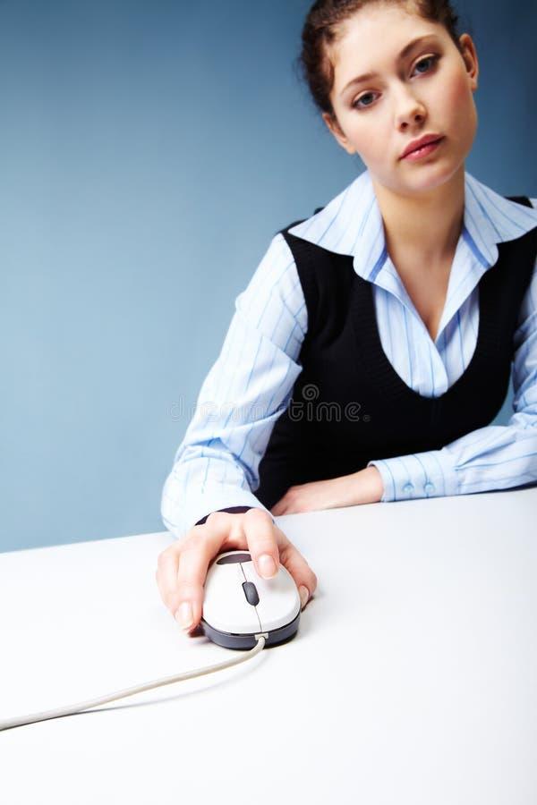 Frau bei der Arbeit lizenzfreie stockfotografie