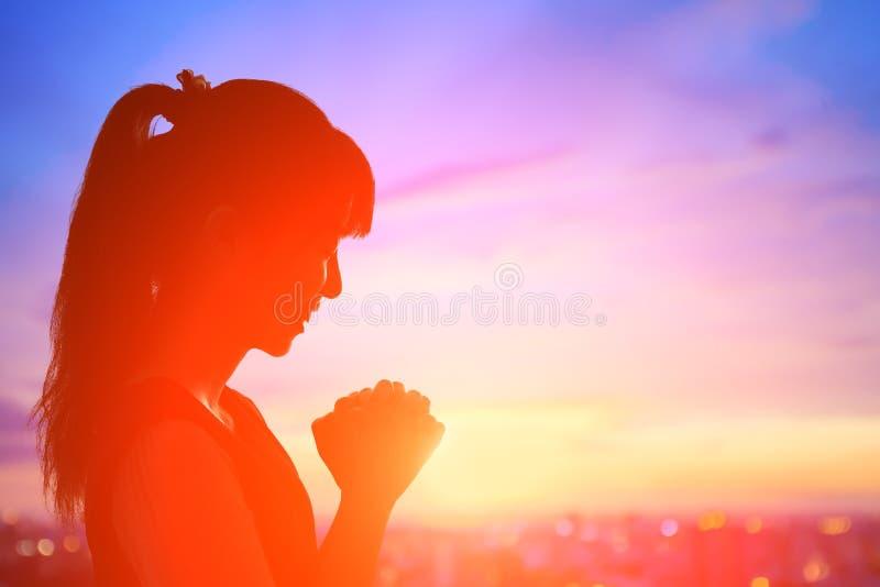 Frau beten frommes vektor abbildung