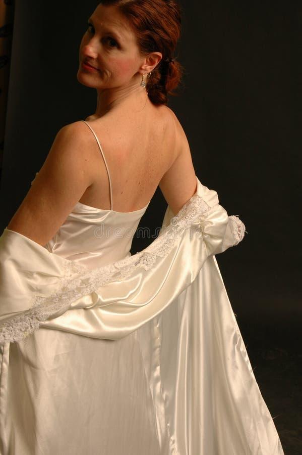 Frau in der Bettkleidung lizenzfreies stockfoto