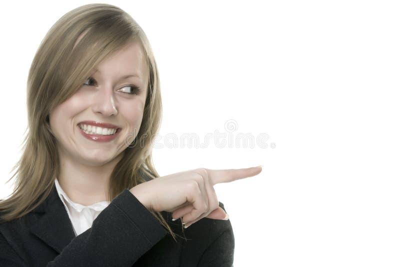 Frau, die anzeigt lizenzfreie stockbilder