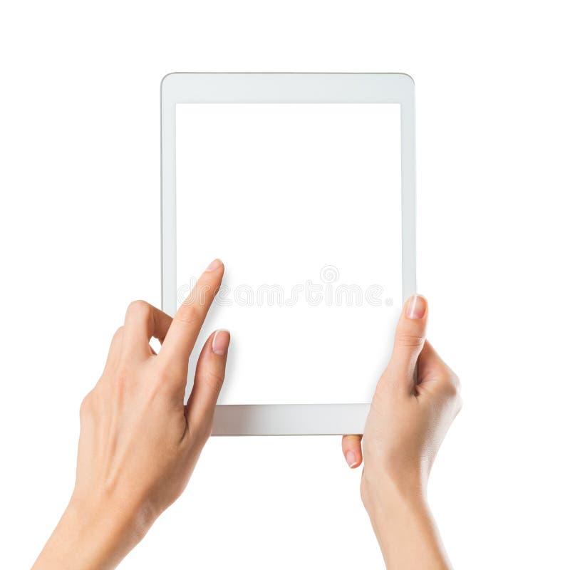 Frau, die digitale Tablette anhält stockbild