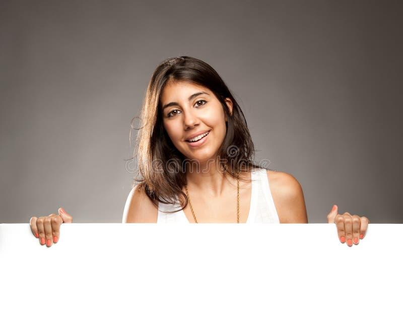 Download Frau, Die Eine Fahne Anhält Stockfoto - Bild von frau, holding: 27728810