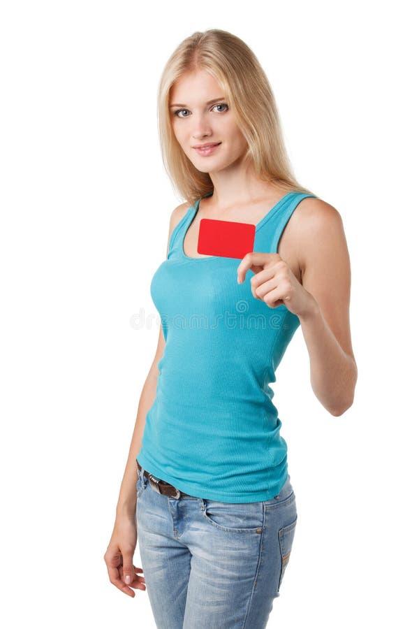 Frau, die Kreditkarte hält stockfoto