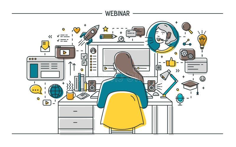 Frau, die am Schreibtisch mit Computer sitzt und auf webinar, on-line-Vortrag, Videopodcast oder Internet aufpasst oder hört lizenzfreie abbildung