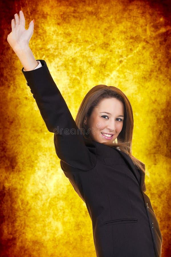 Frau, die Sieg feiert stockfoto