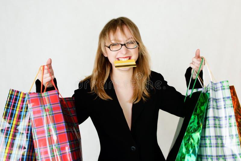 Frau am Einkaufen lizenzfreies stockbild
