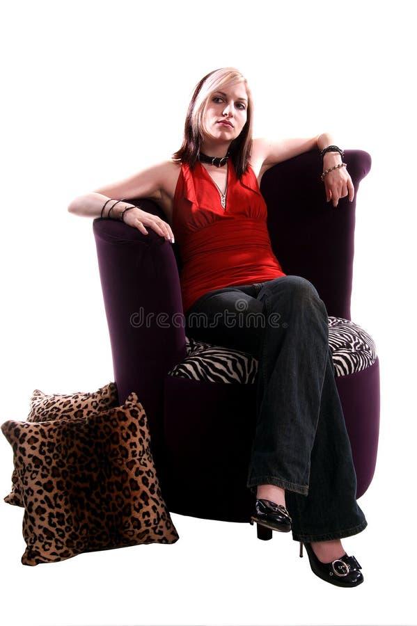 Frau entspannt lizenzfreie stockbilder