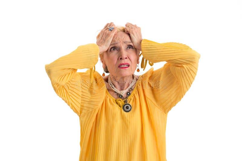 Frau halten Haupt in der Verzweiflung lizenzfreies stockfoto