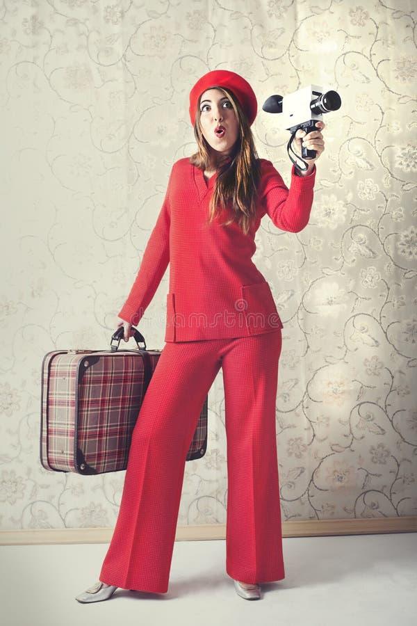 Frau hat Spaßschmierfilmbildung mit der Kamera lizenzfreies stockbild