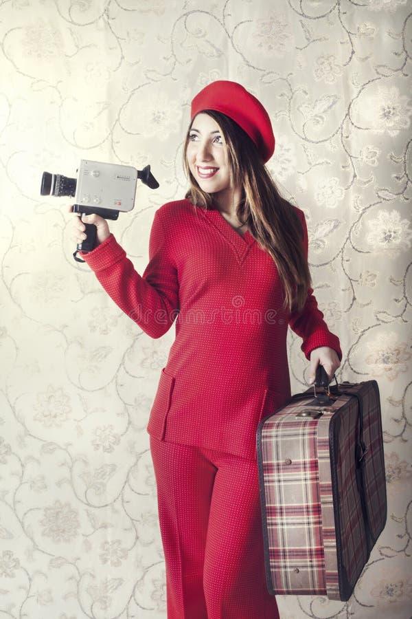 Frau hat Spaßschmierfilmbildung mit der Kamera stockbild