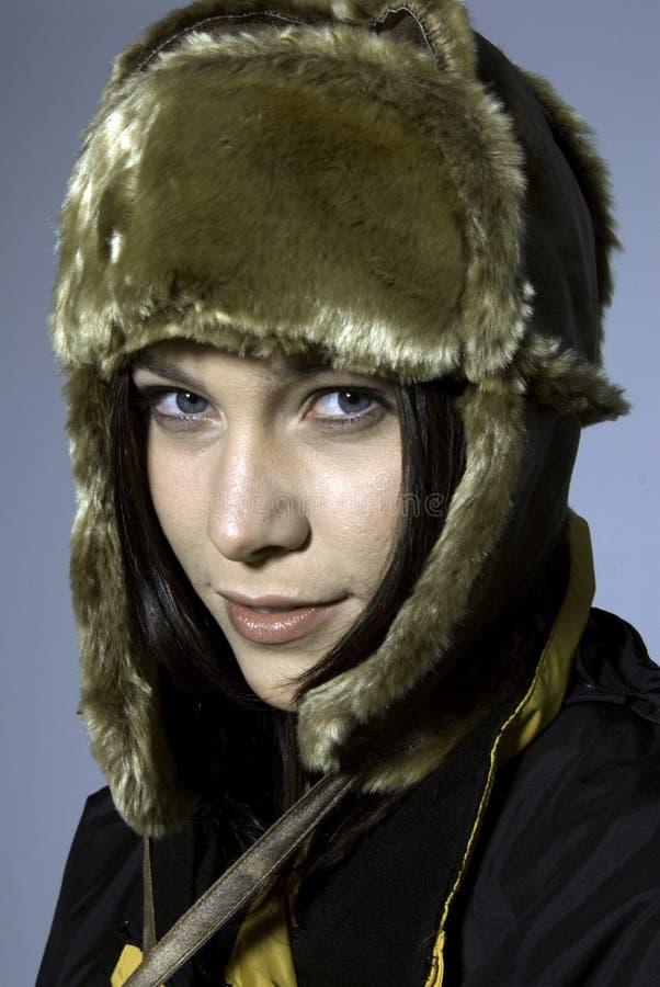 Frau im Bomberhut lizenzfreie stockfotos
