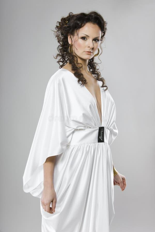 Frau im Griechenland-Kleid lizenzfreies stockfoto