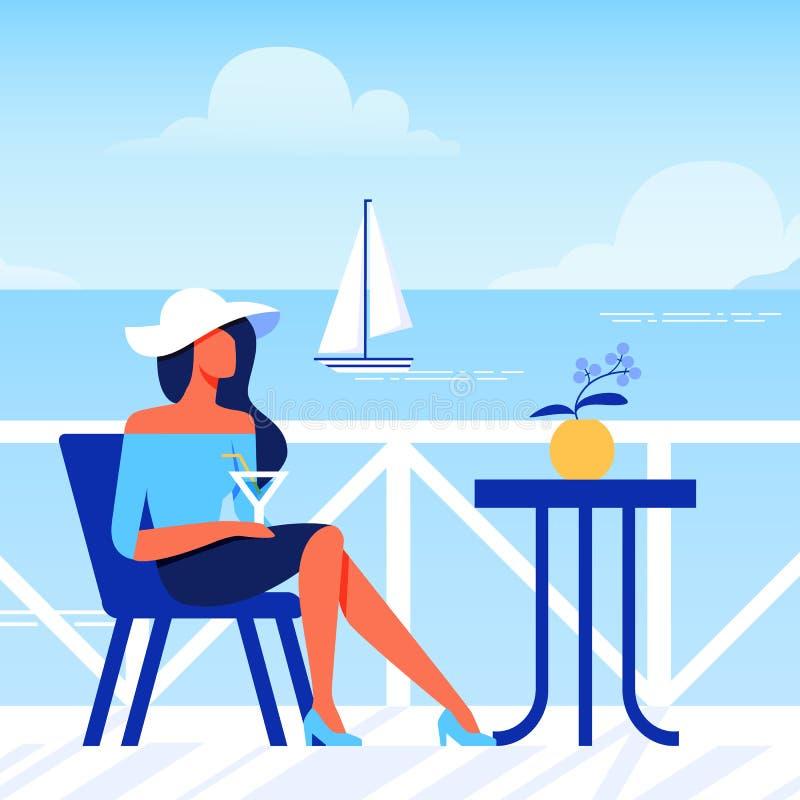 Frau im Hut mit Glas sitzt im Café auf Strand stock abbildung