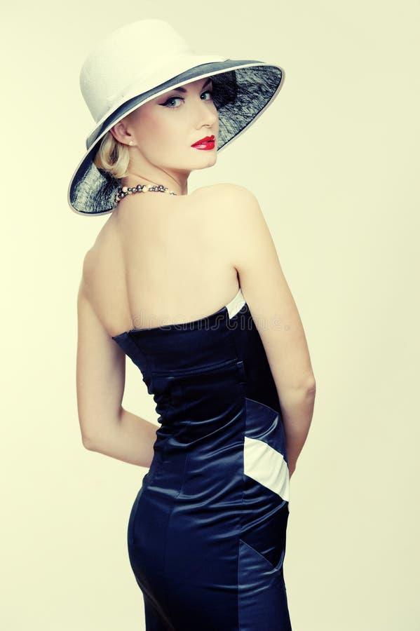 Frau im Kleid getrennt auf Weiß stockbilder