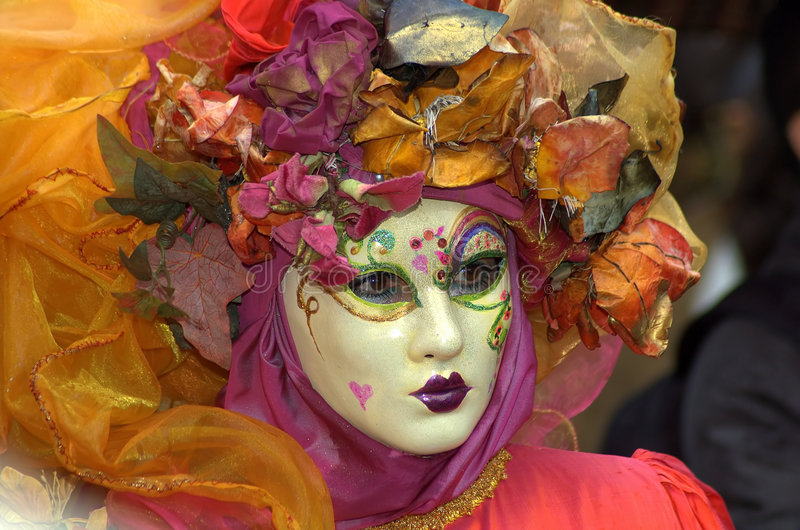 Frau im Kostüm u. in der Schablone lizenzfreies stockfoto