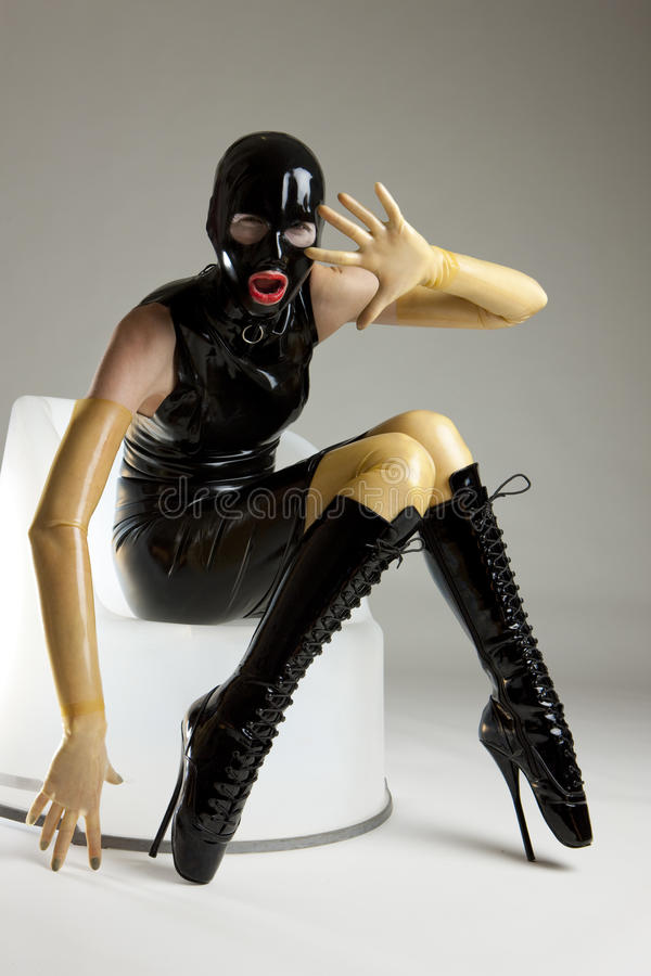 Frau im Latex stockfotografie