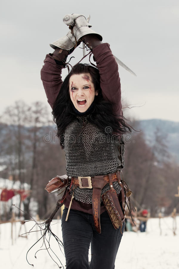 Frau im mittelalterlichen Kostüm stockbilder
