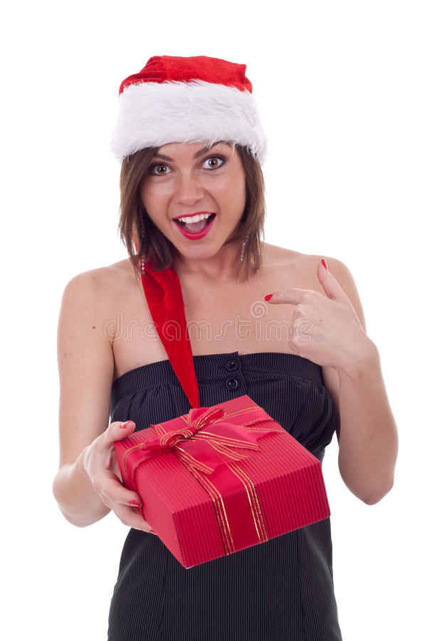 Frau im Sankt-Kleid, das ein Geschenk anhält lizenzfreie stockfotografie