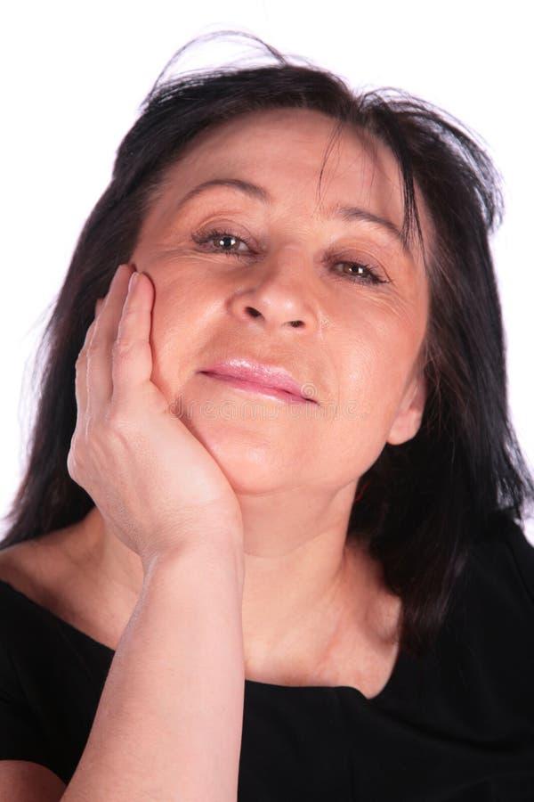 Frau im Schwarzen stockfoto