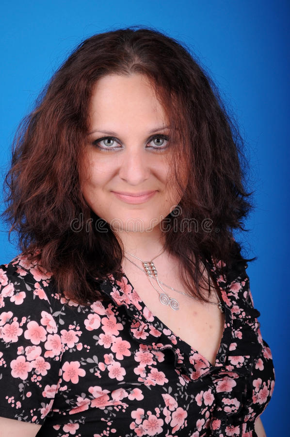 Frau im Studio lizenzfreie stockfotos