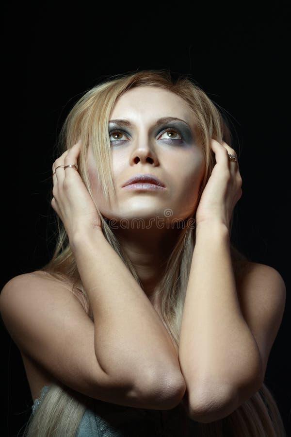 Download Frau im Tiefstand stockfoto. Bild von verstand, verzweiflung - 27731090