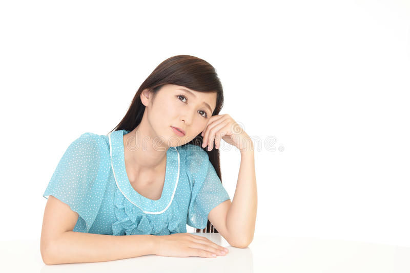 Frau im Tiefstand lizenzfreie stockfotografie