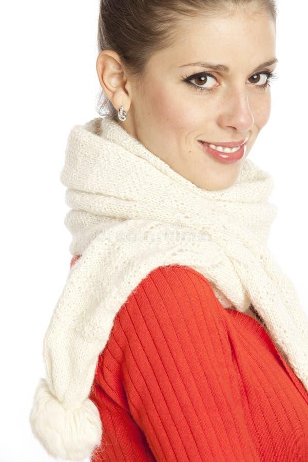 Frau im weißen Schal lizenzfreie stockbilder