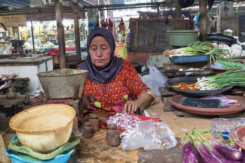 Frau marktet Surabaya in Indonesien stockbild