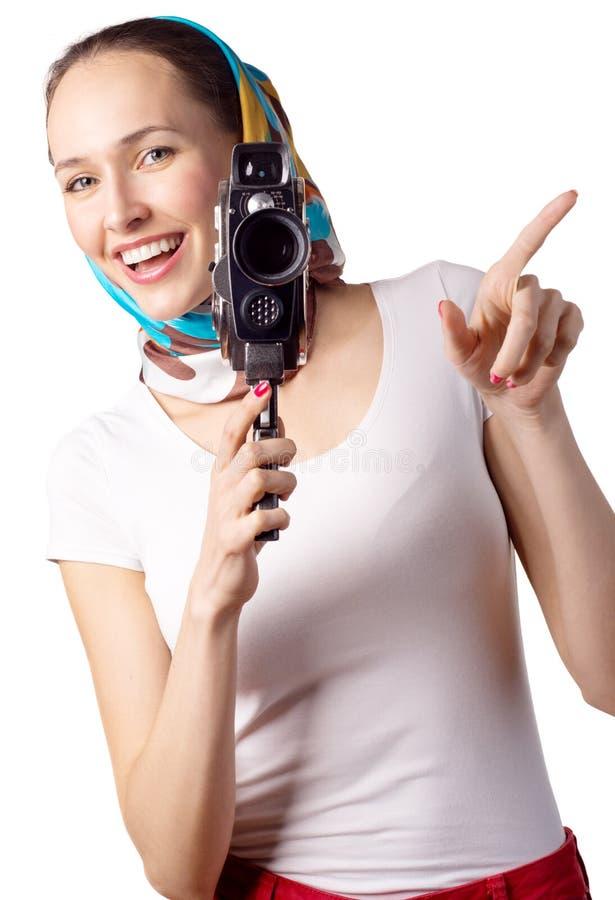 Frau mit alter Filmkamera lizenzfreie stockfotografie
