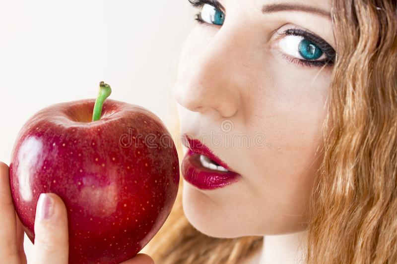 Frau mit Apple stockfotos