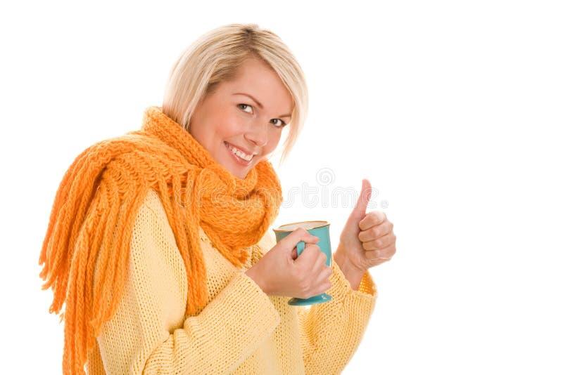 Frau mit Becher lizenzfreies stockbild