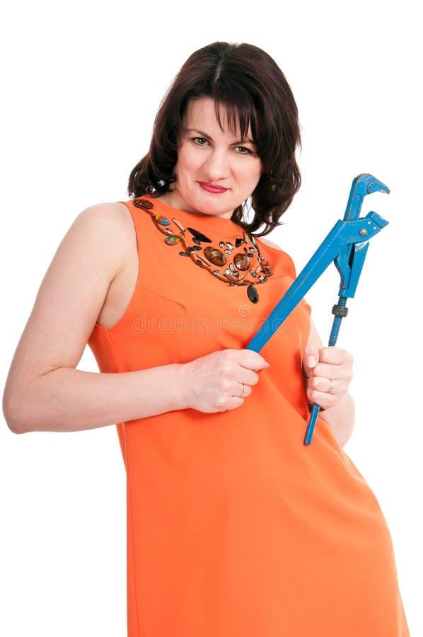 Frau mit blauem Schlüssel stockfoto