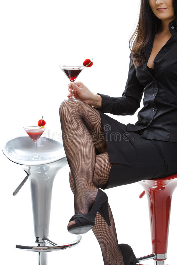 Frau mit Cocktail stockfotos