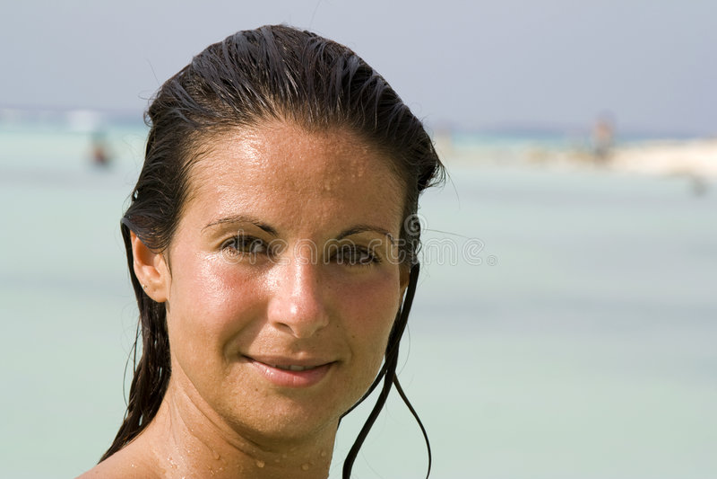 Frau mit dem Brown-Augen und Haar stockfoto