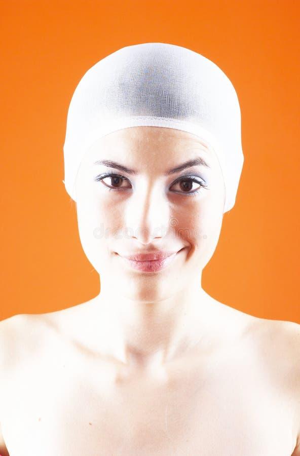 Frau mit dem Haar abgedeckt - 12 stockbild