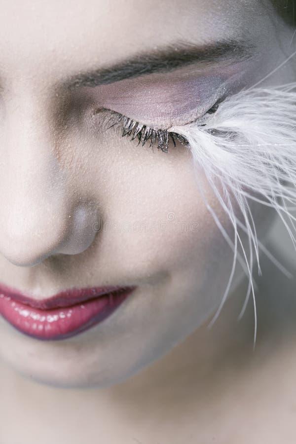 Frau mit den langen Wimpern lizenzfreies stockbild