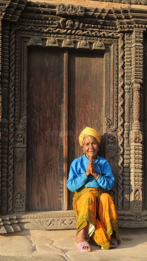 Frau mit den namaste Gebetshänden stockbilder