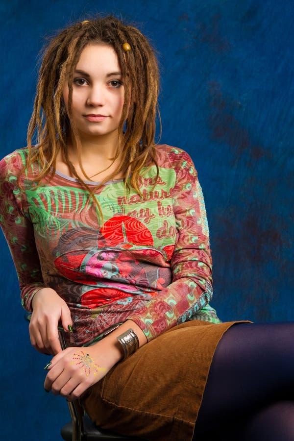 Frau mit dreadlocks stockfoto