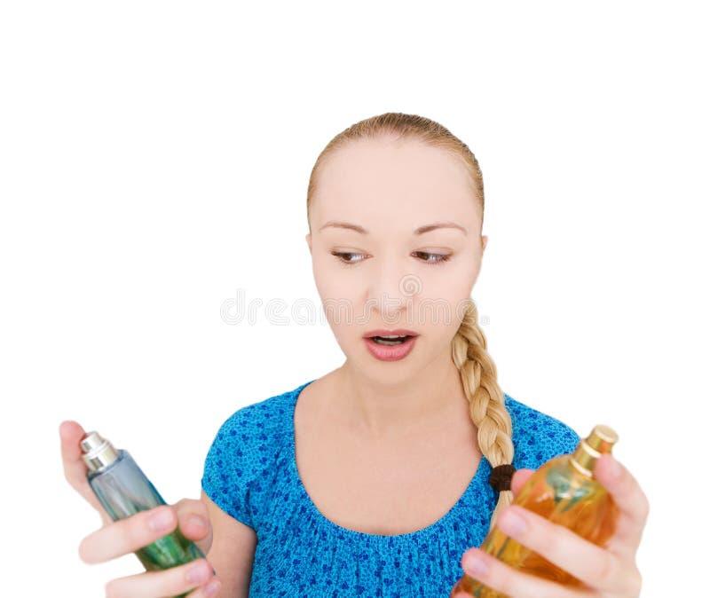 Frau mit Duftstoffen stockfoto