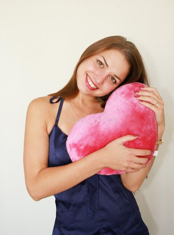 Frau mit einem großen Rot stockfoto