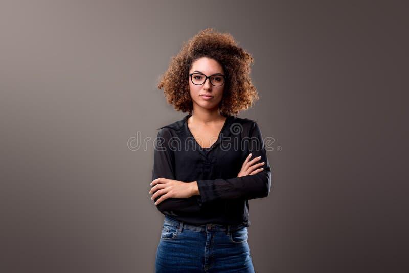 Frau mit Fluglage lizenzfreie stockfotos
