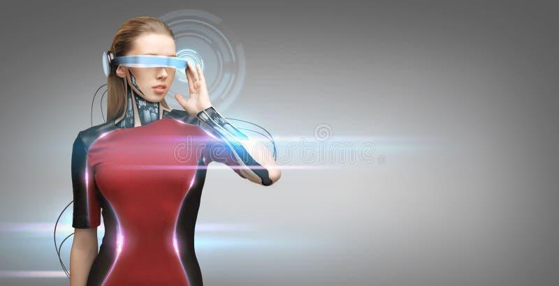 Frau mit futuristischen Gläsern und Sensoren lizenzfreie abbildung