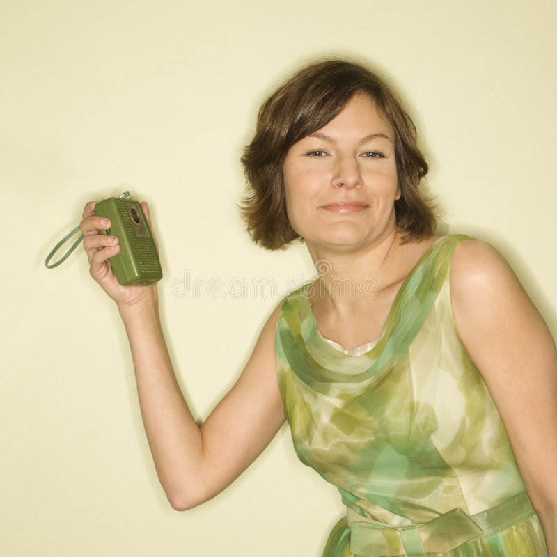 Frau mit Handfunk. stockfotografie