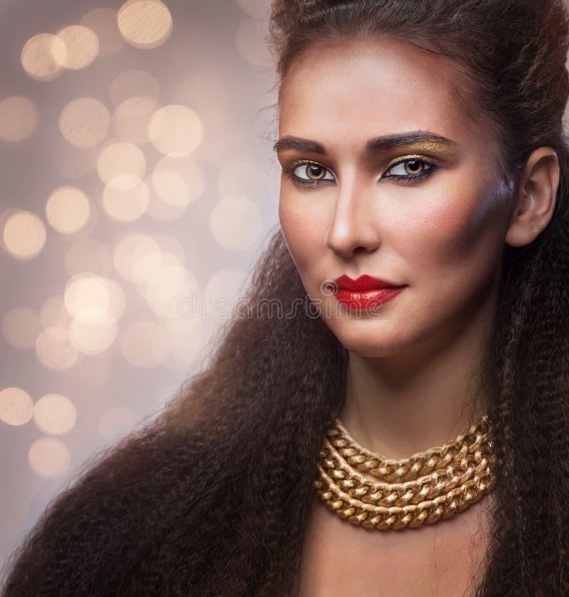 Frau mit hellem Make-up stockbilder