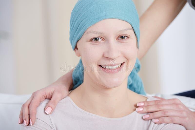 Frau mit Krebs stockbild