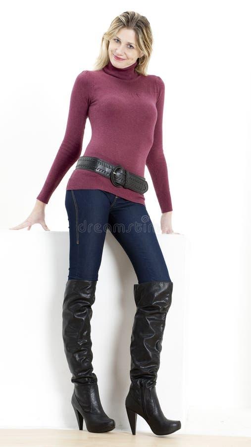 Frau mit modernen Matten stockbilder