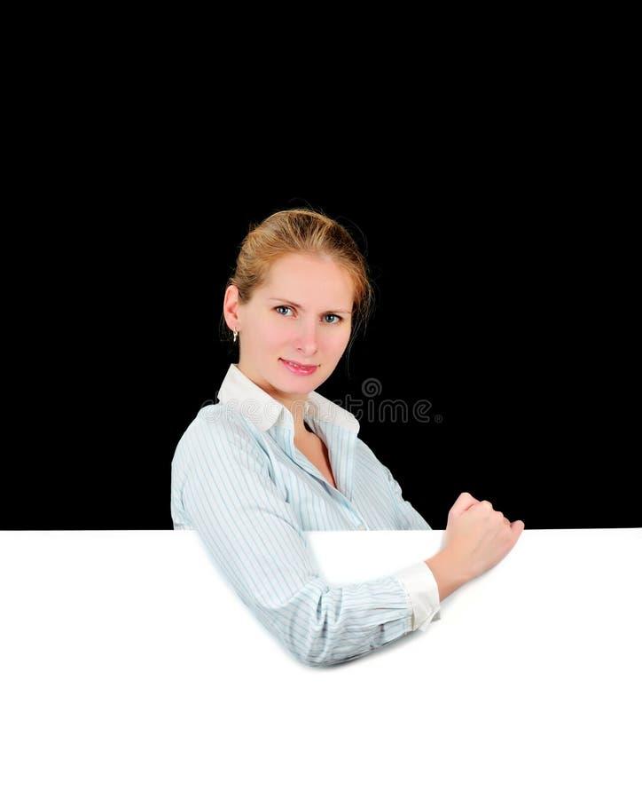 Frau mit unbelegter Anschlagtafel stockbilder