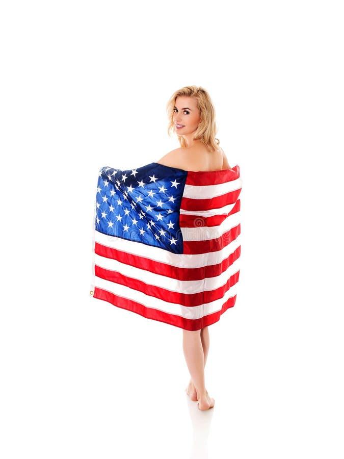 Frau mit USA-Markierungsfahne lizenzfreie stockfotografie