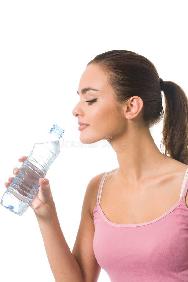 Frau mit Wasser, getrennt lizenzfreie stockfotos