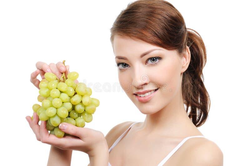 Frau mit Weintraube lizenzfreie stockfotos